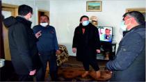 Gemerek Kaymakamı İlhan Kayatürk Depremde Evleri Hasar Gören Vatandaşları Ziyaret Etti